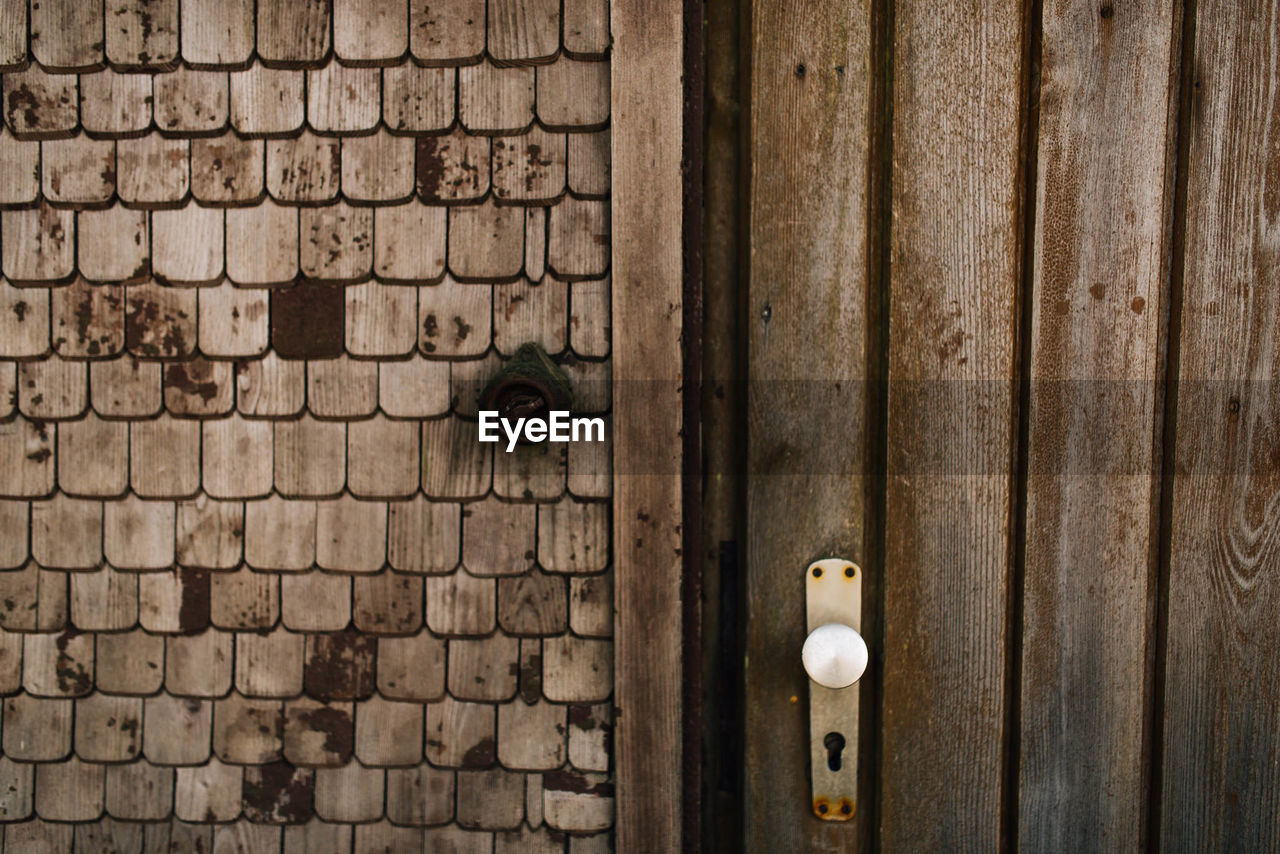 entrance, door, no people, wood - material, lock, old, close-up, protection, closed, security, open, wall, safety, brick wall, brick, architecture, keyhole, day, indoors, knob, latch