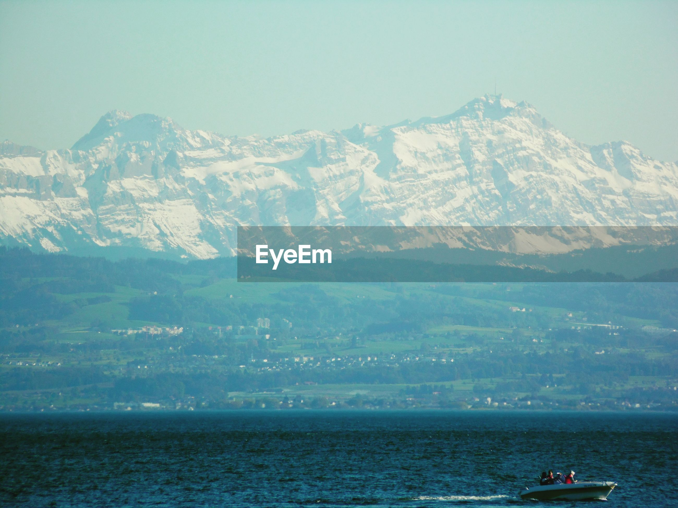 SCENIC VIEW OF MOUNTAINS AND SEA