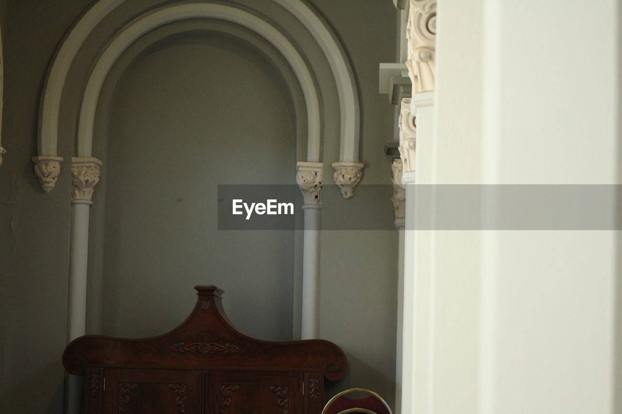 indoors, arch, history, no people, home interior, built structure, religion, ornate, statue, architectural column, architecture, sculpture, spirituality, place of worship, day, home showcase interior, close-up