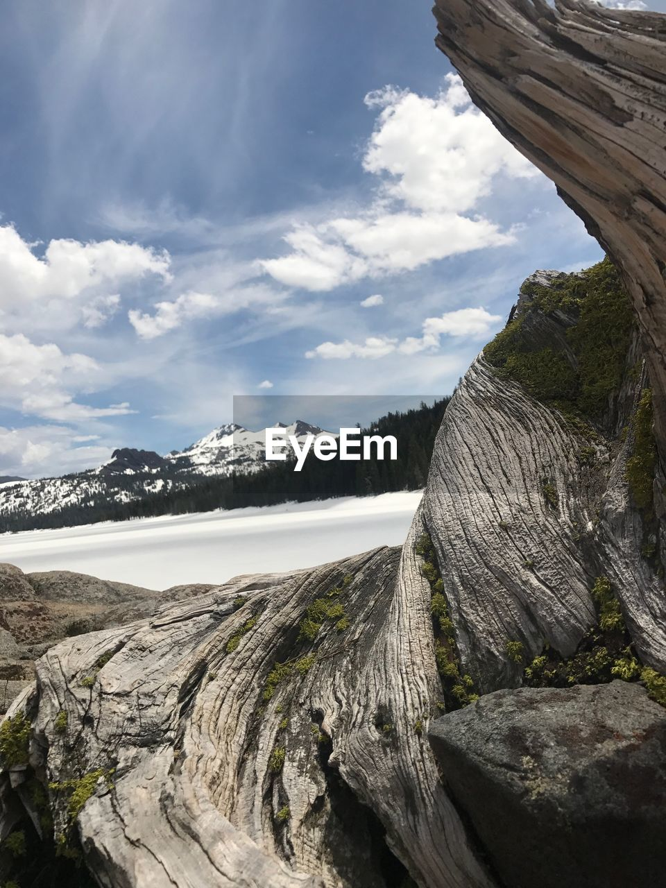 mountain, sky, nature, beauty in nature, scenics, tranquil scene, cloud - sky, tranquility, landscape, outdoors, day, no people, travel destinations, physical geography, water, snow