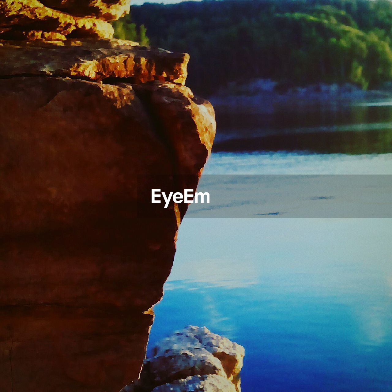 rock - object, rock formation, water, nature, scenics, tranquility, beauty in nature, outdoors, day, sky, no people, sea, close-up