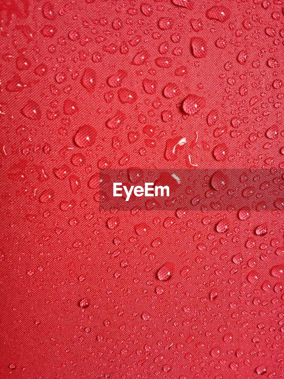 backgrounds, full frame, textured effect, water, bubble, wet, textured, red, drop, indoors, no people, close-up, liquid, nature, purity, fragility, concentric, splashing droplet, futuristic, day