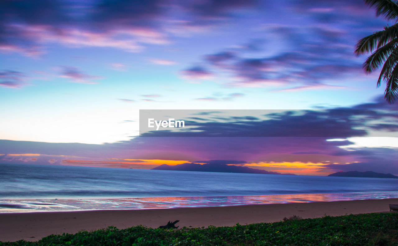 sky, sunset, scenics, beauty in nature, tranquil scene, nature, tranquility, cloud - sky, beach, sea, outdoors, no people, landscape, horizon over water, water, day