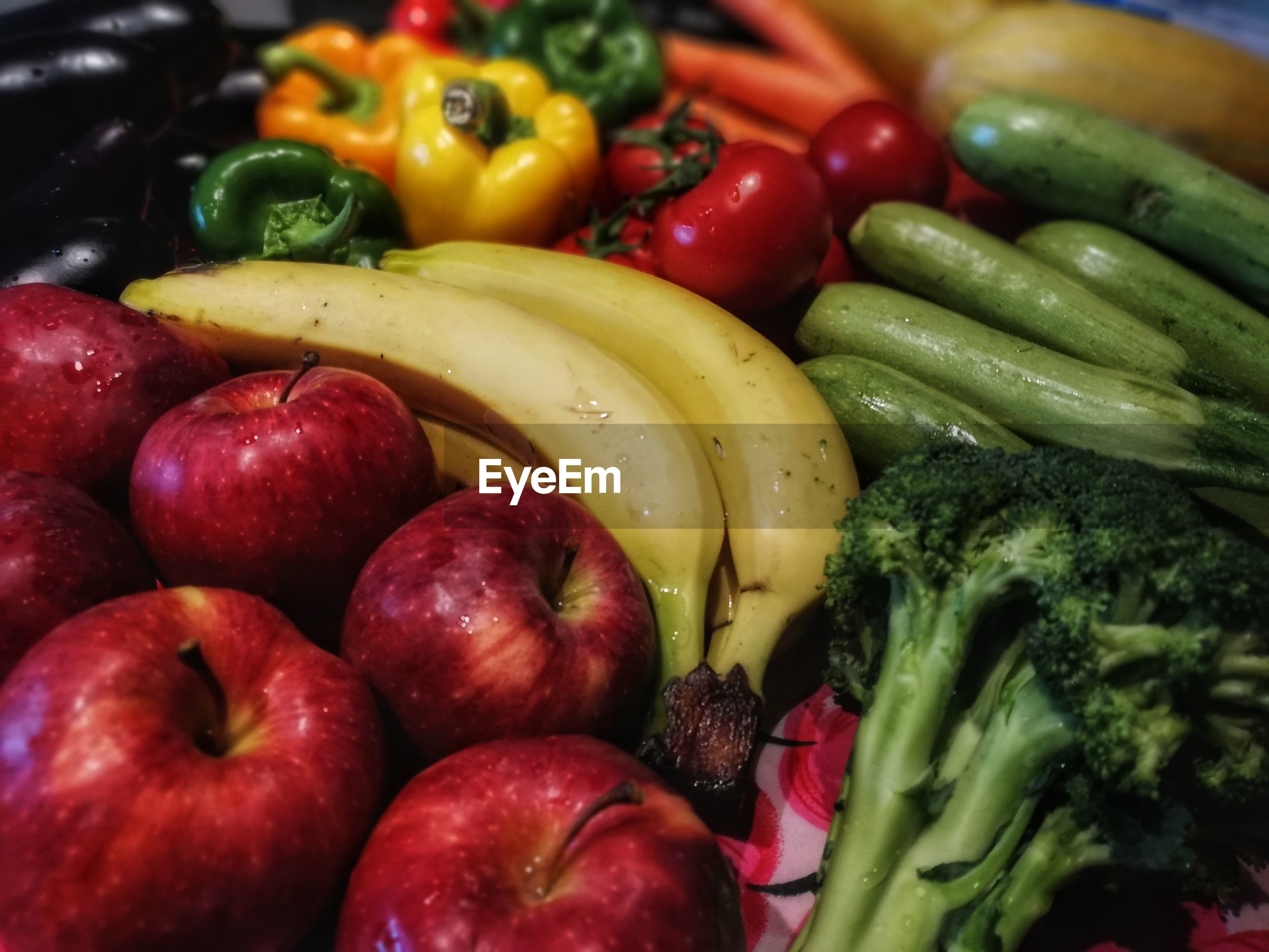 FULL FRAME SHOT OF FRUITS AND TOMATOES