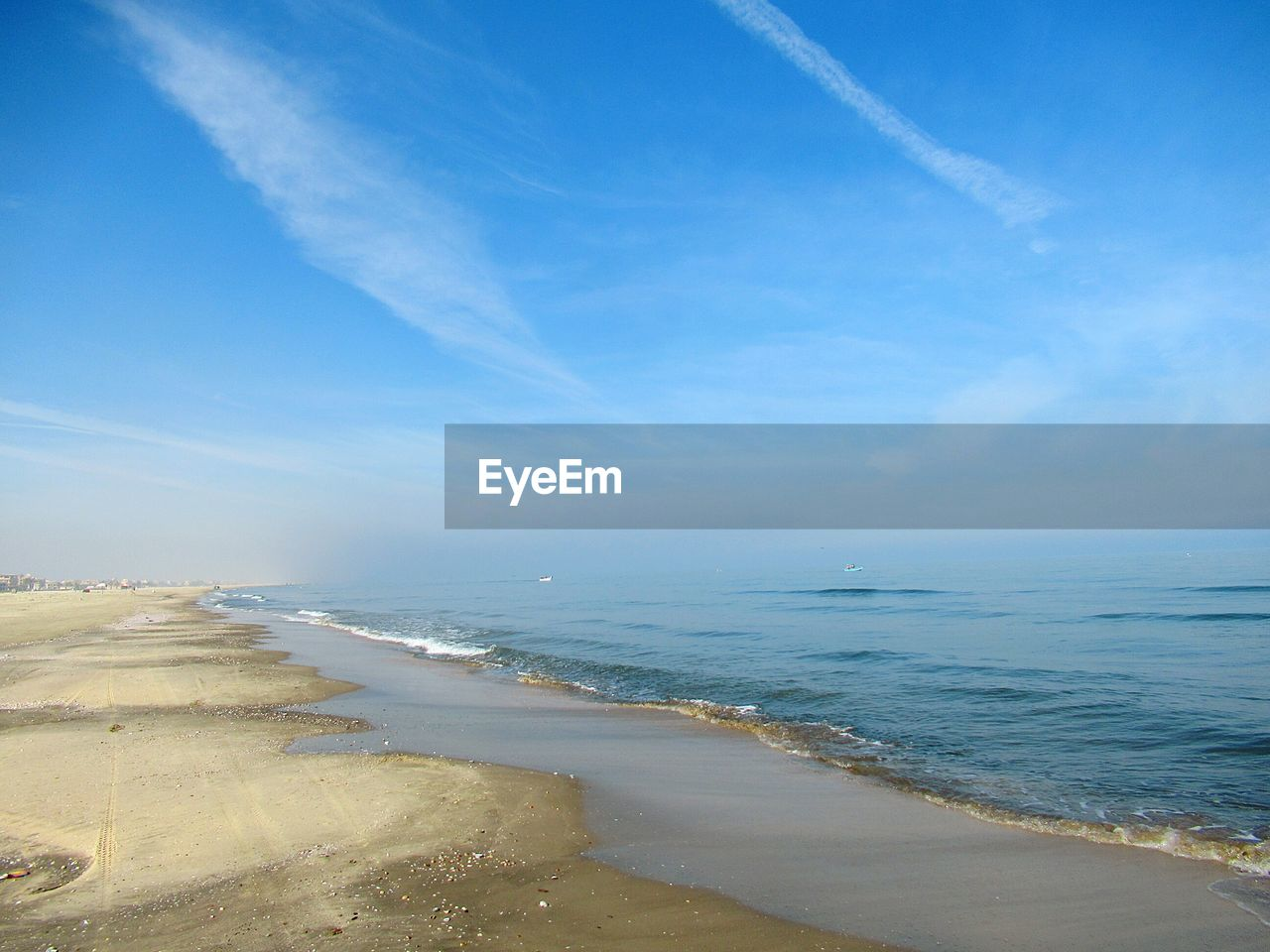 sea, beach, water, land, sky, beauty in nature, scenics - nature, cloud - sky, nature, horizon, horizon over water, tranquility, tranquil scene, no people, blue, sand, non-urban scene, day, outdoors