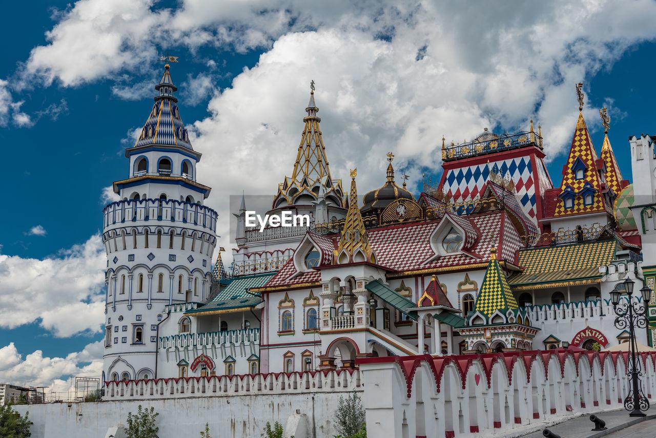 Izmaylovo kremlin against cloudy sky in city