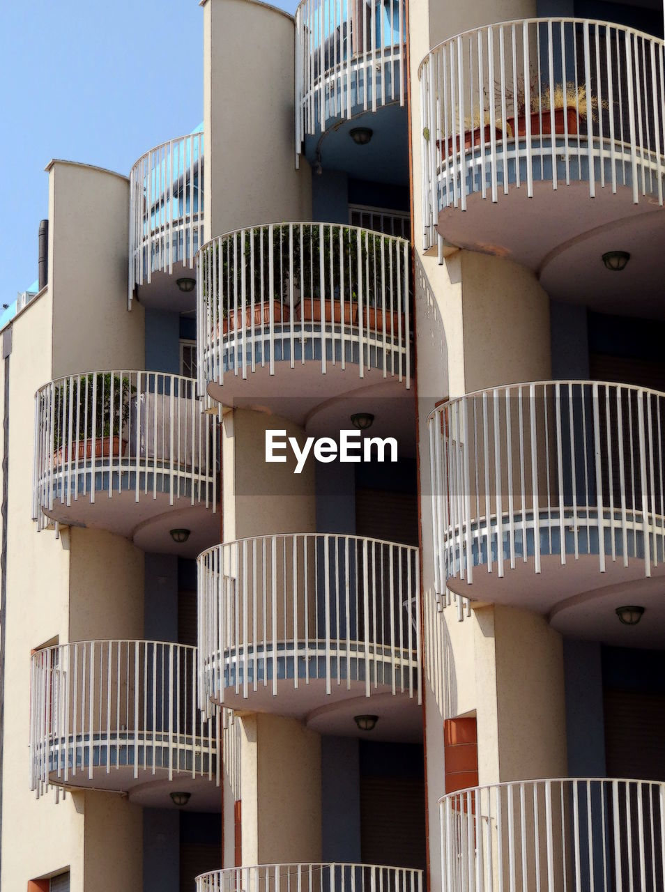 architecture, built structure, no people, balcony, building exterior, air conditioner, day, outdoors, close-up
