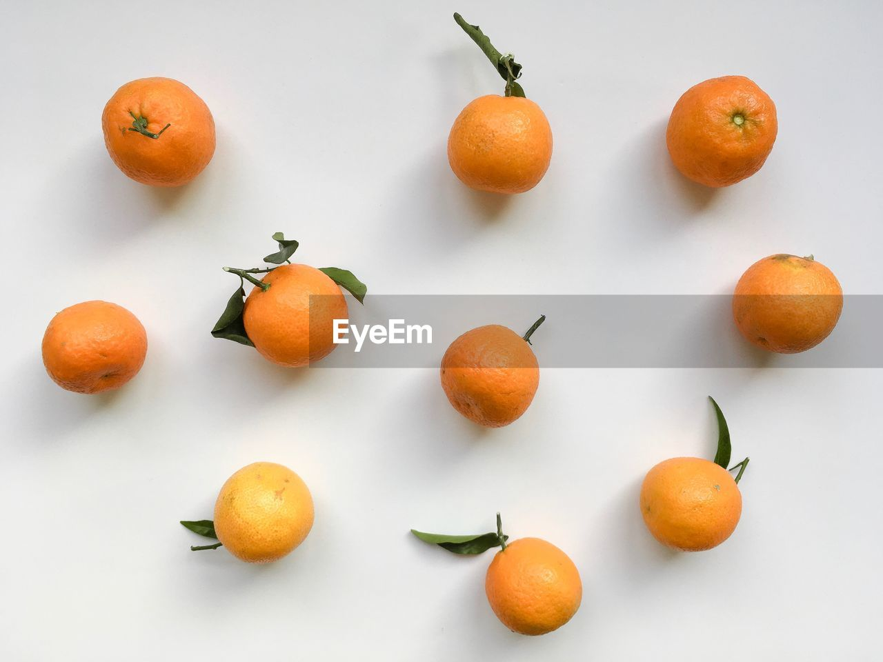 HIGH ANGLE VIEW OF FRUITS AND WHITE