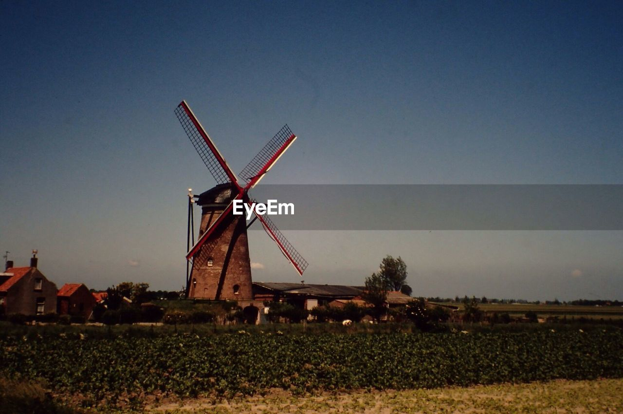 wind power, wind turbine, alternative energy, renewable energy, environmental conservation, windmill, fuel and power generation, traditional windmill, field, rural scene, industrial windmill, day, sky, clear sky, outdoors, no people, technology, nature, architecture