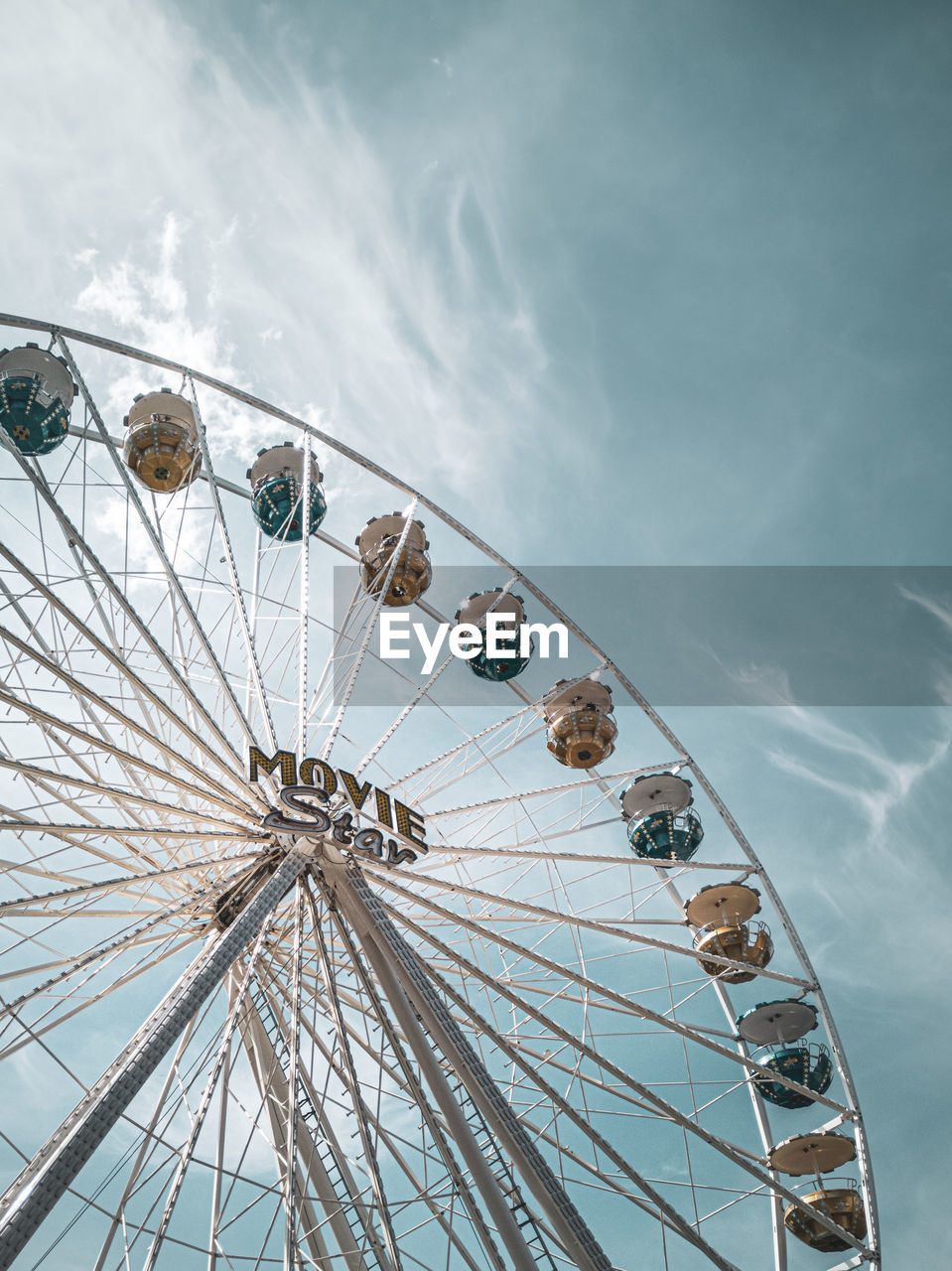 LOW ANGLE VIEW OF FERRIS WHEEL