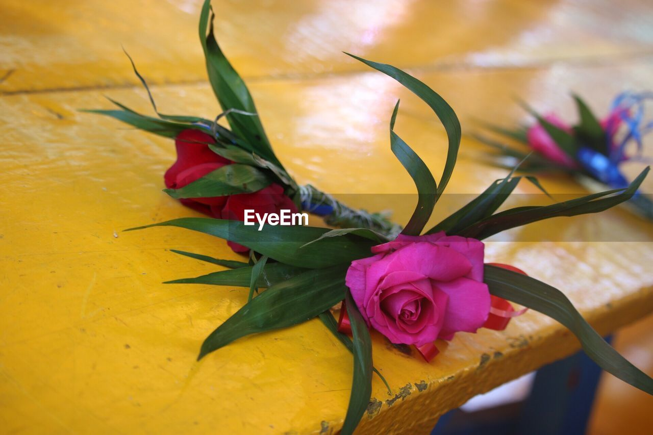 flower, close-up, petal, no people, freshness, leaf, rose - flower, fragility, indoors, flower head, nature, beauty in nature, bouquet, day