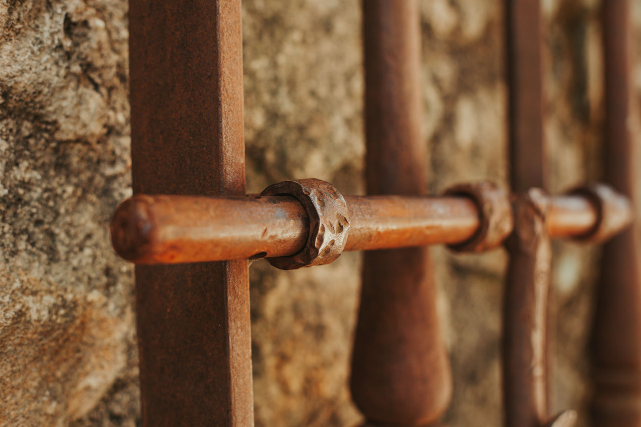 metal, rusty, no people, close-up, selective focus, day, safety, old, focus on foreground, protection, decline, security, fence, lock, deterioration, outdoors, run-down, brown, chain, gate, silver colored, iron, latch