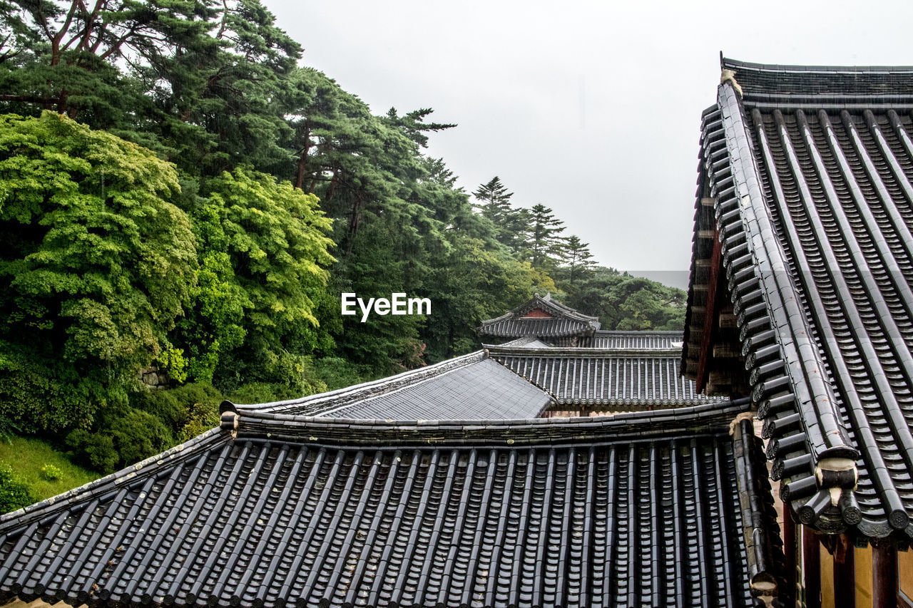 VIEW OF ROOF OF BUILDING