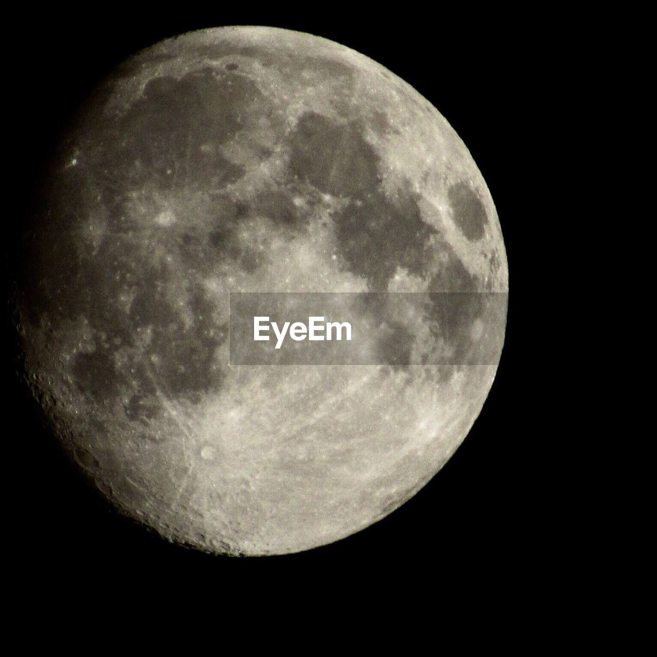 moon, night, astronomy, moon surface, planetary moon, beauty in nature, full moon, nature, circle, majestic, scenics, tranquility, space exploration, tranquil scene, outdoors, space, low angle view, no people, half moon, sky, close-up, discovery, moonlight, clear sky, satellite view