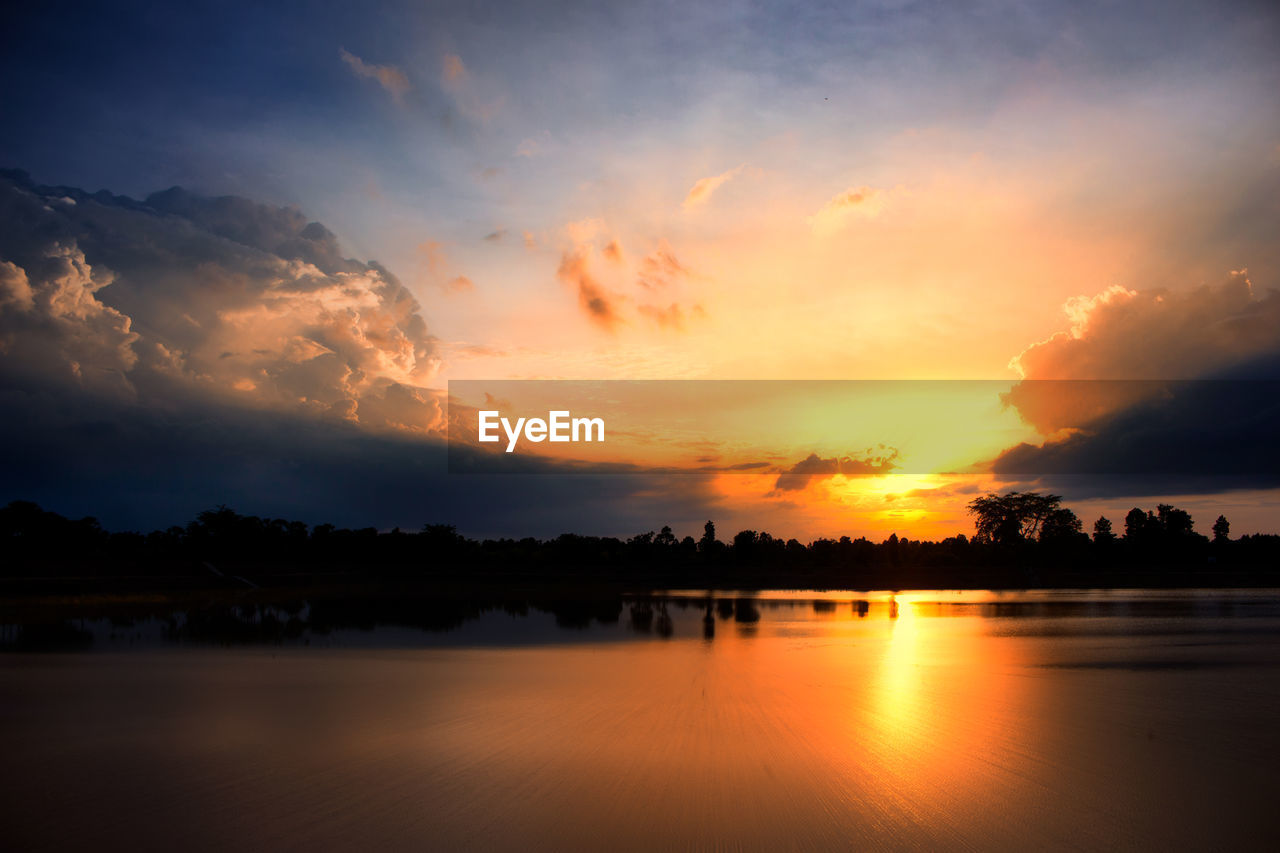 sky, sunset, cloud - sky, water, scenics - nature, orange color, beauty in nature, tranquility, tranquil scene, tree, no people, nature, plant, silhouette, reflection, idyllic, waterfront, lake, non-urban scene, romantic sky