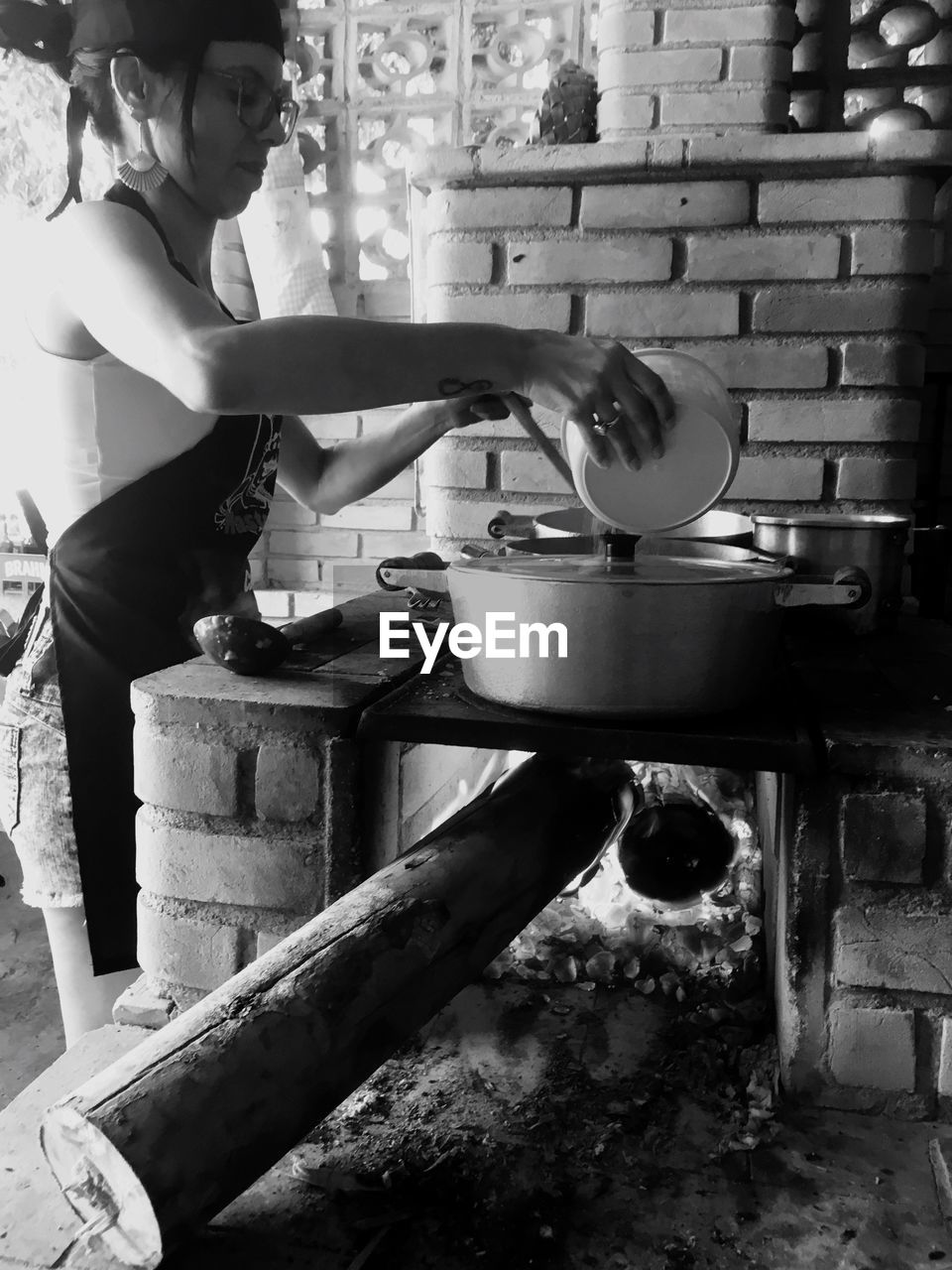 preparation, stove, preparing food, indoors, food and drink, domestic kitchen, one person, real people, making, food, holding, human hand, domestic room, kitchen, freshness, chef, day, young women, camping stove, people