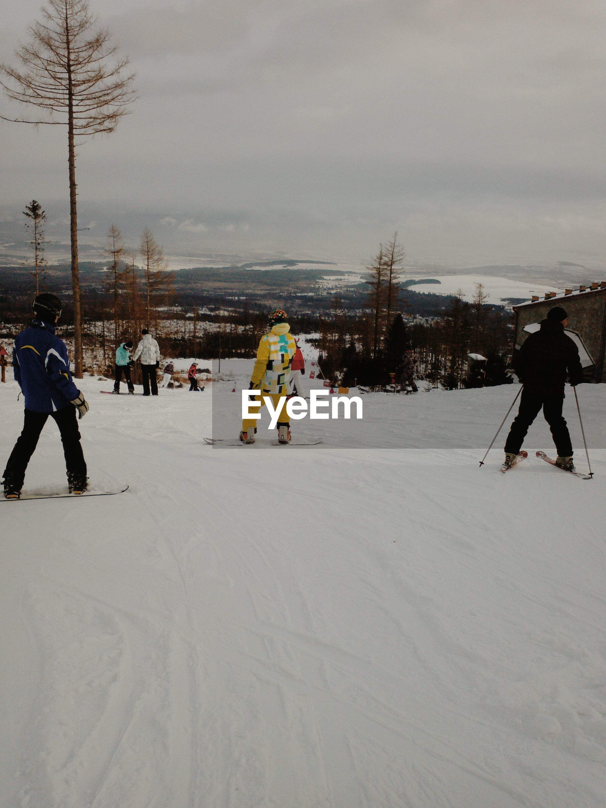 snow, winter, cold temperature, season, weather, lifestyles, leisure activity, full length, warm clothing, sky, men, skiing, covering, walking, sport, enjoyment, winter sport