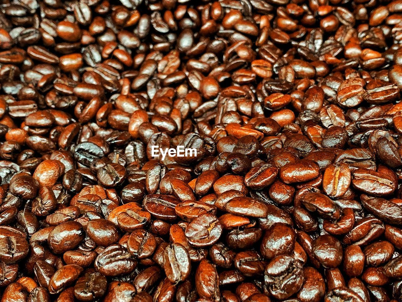 coffee, coffee - drink, roasted coffee bean, food and drink, full frame, backgrounds, brown, food, large group of objects, freshness, abundance, indoors, no people, coffee bean, close-up, caffeine, still life, drink, coffee crop, roasted