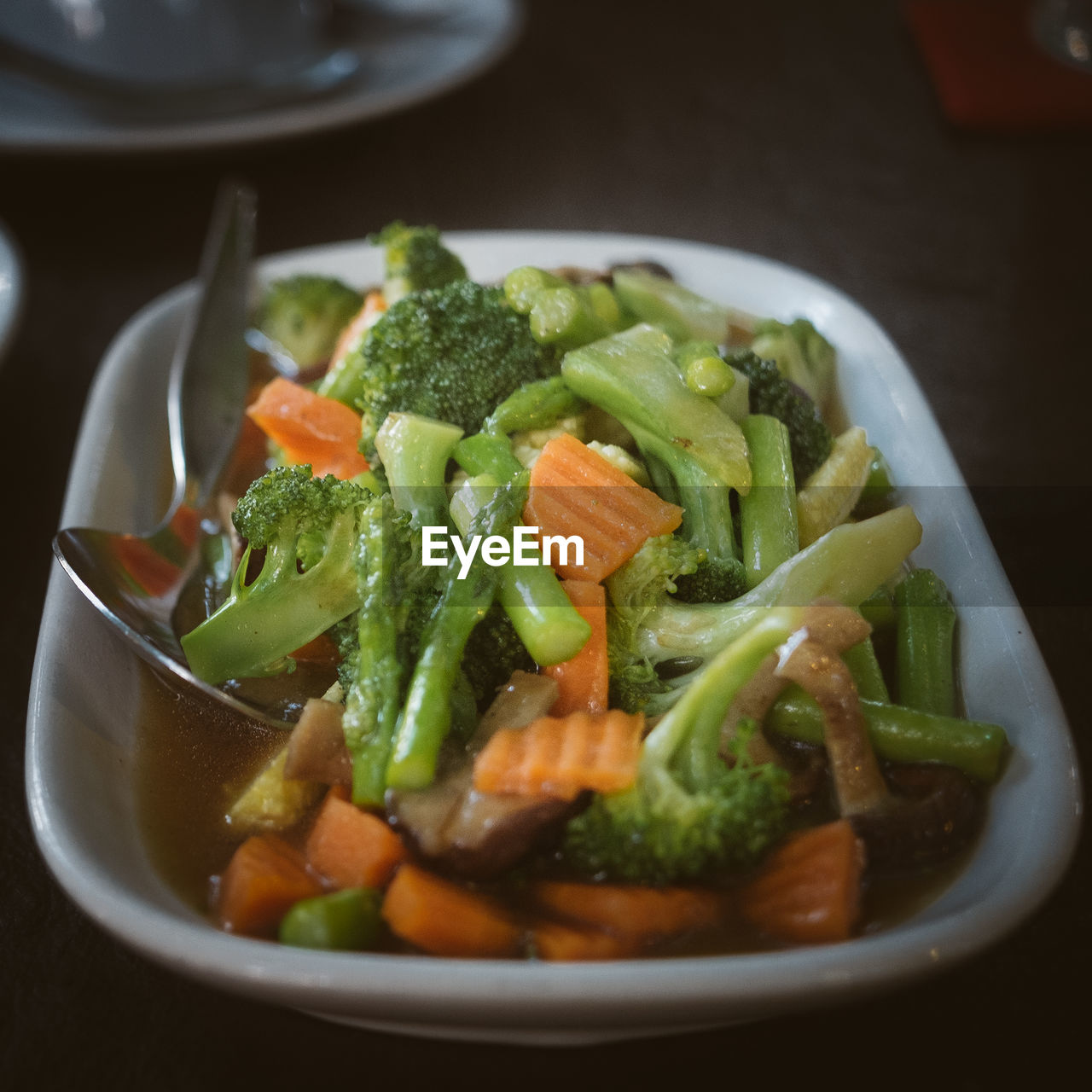 food and drink, vegetable, freshness, healthy eating, food, ready-to-eat, indoors, green color, plate, no people, bowl, close-up, day