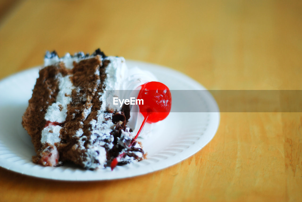 sweet food, sweet, food and drink, food, dessert, indulgence, plate, ready-to-eat, temptation, freshness, table, still life, unhealthy eating, indoors, baked, cake, close-up, chocolate, no people, serving size, chocolate cake