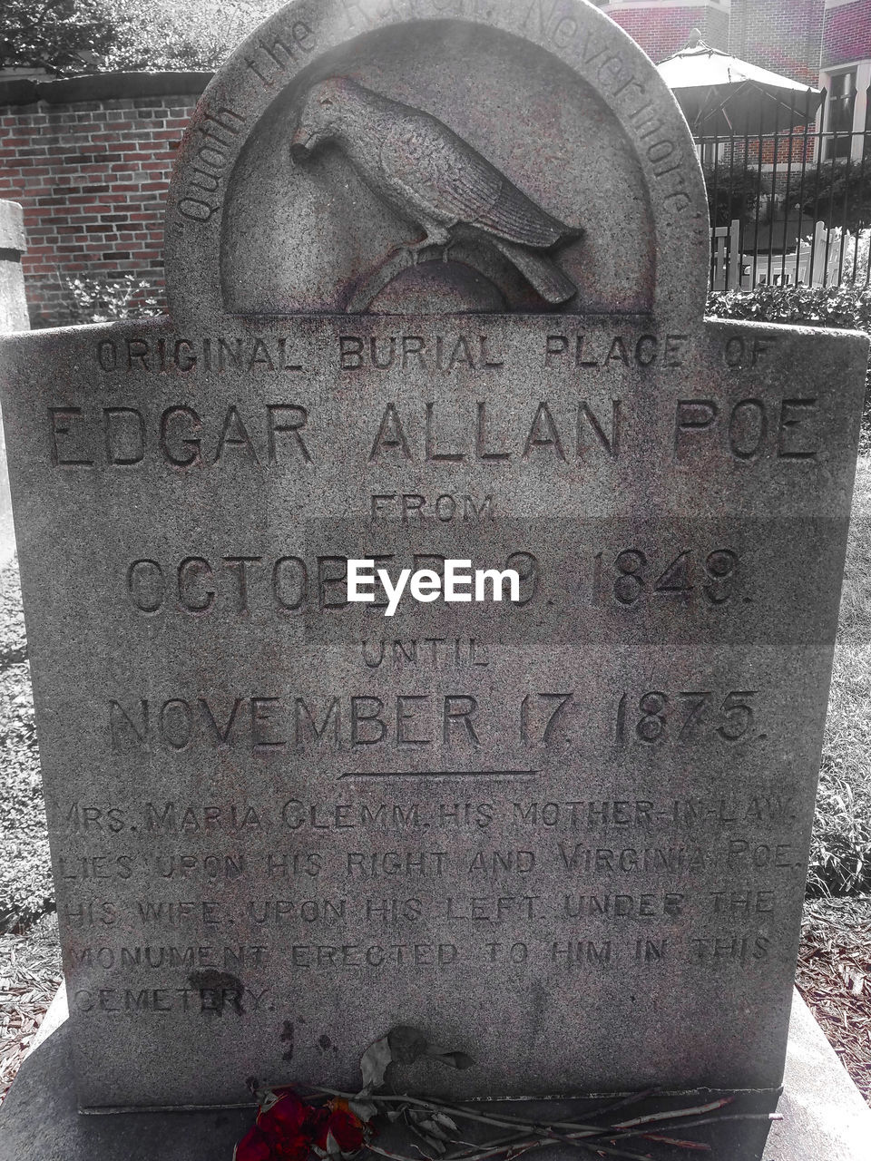 text, western script, no people, communication, day, outdoors, close-up, gravestone