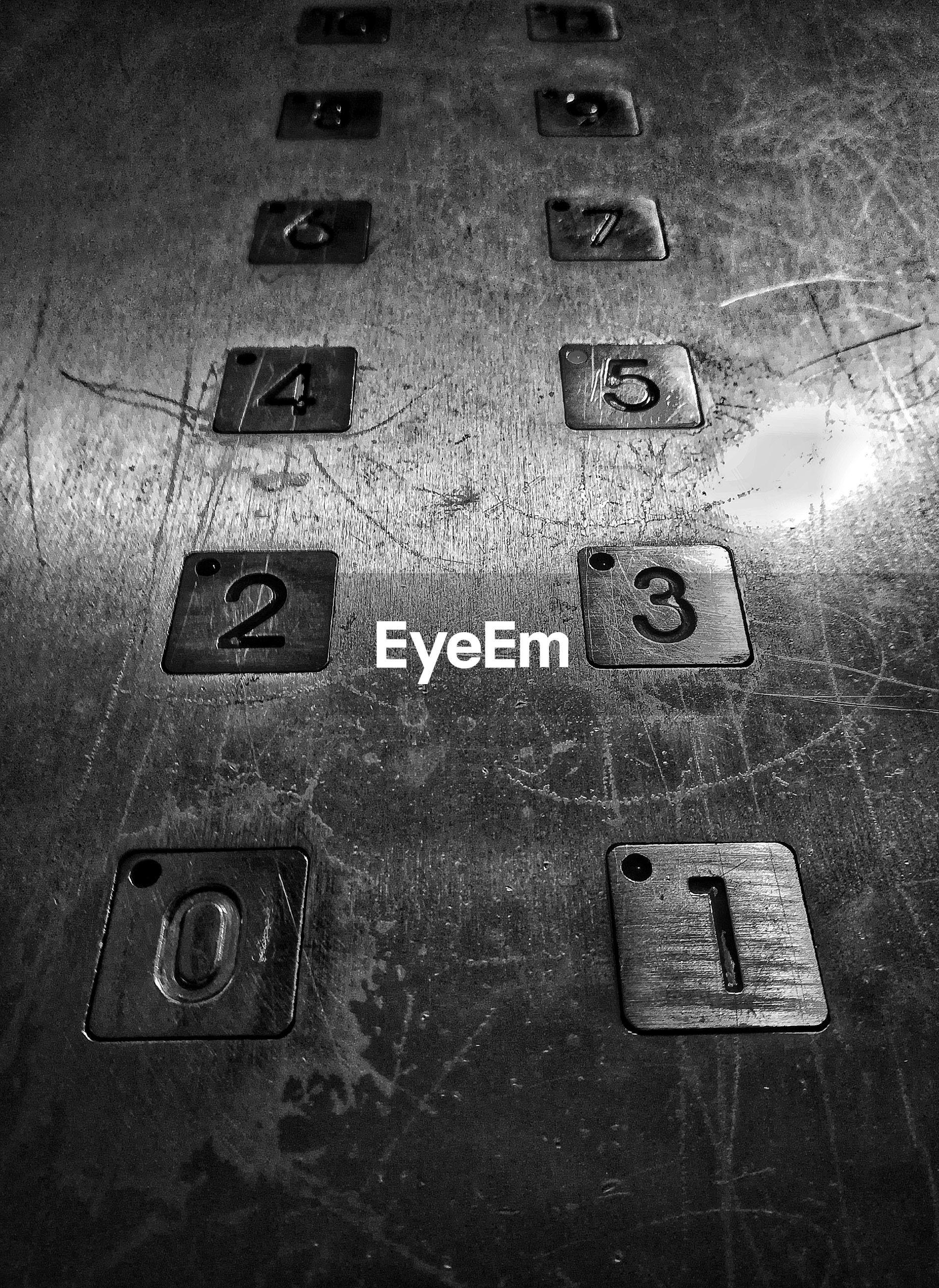 Numbers in elevator