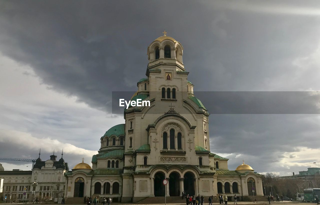 architecture, religion, spirituality, sky, place of worship, built structure, building exterior, cloud - sky, history, dome, outdoors, no people, day