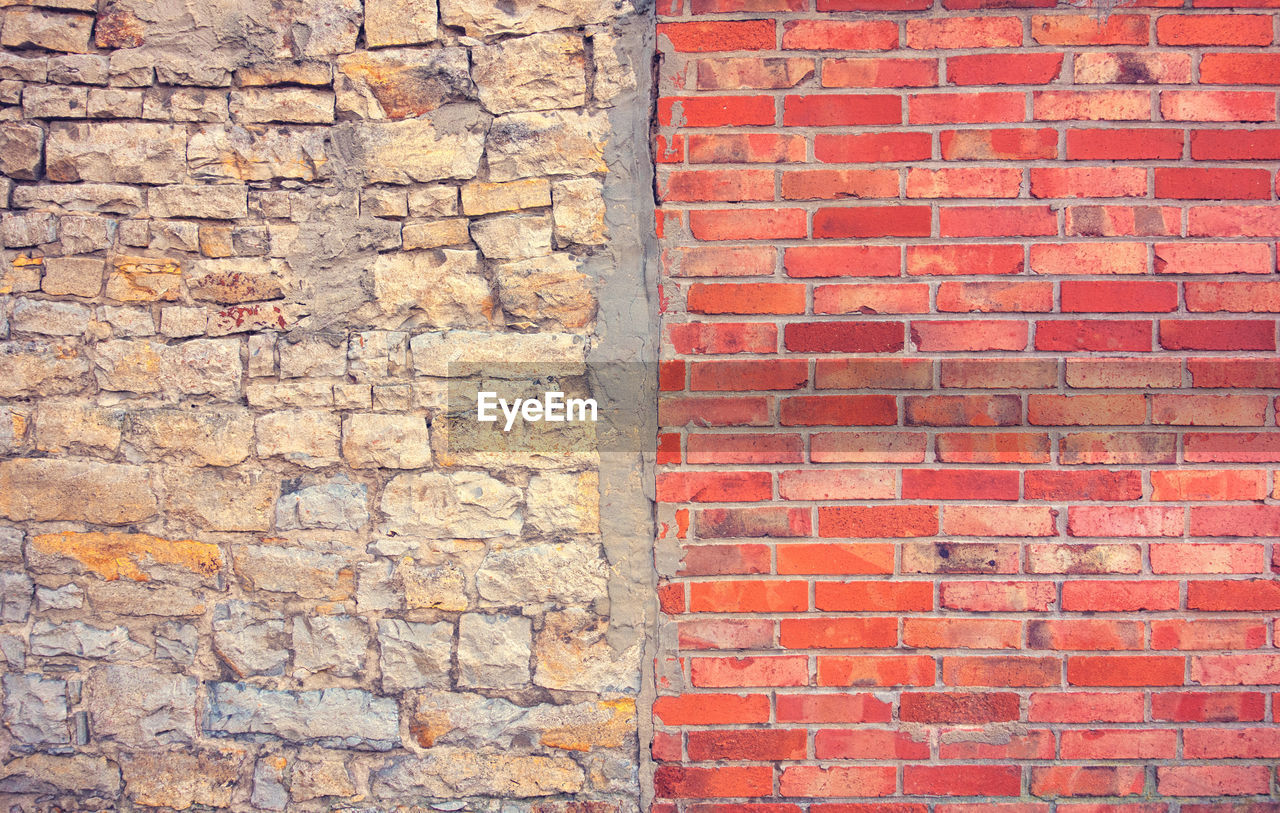 wall, brick, brick wall, wall - building feature, built structure, architecture, backgrounds, full frame, red, no people, building exterior, day, textured, pattern, outdoors, close-up, brown, construction material, sunlight, weathered