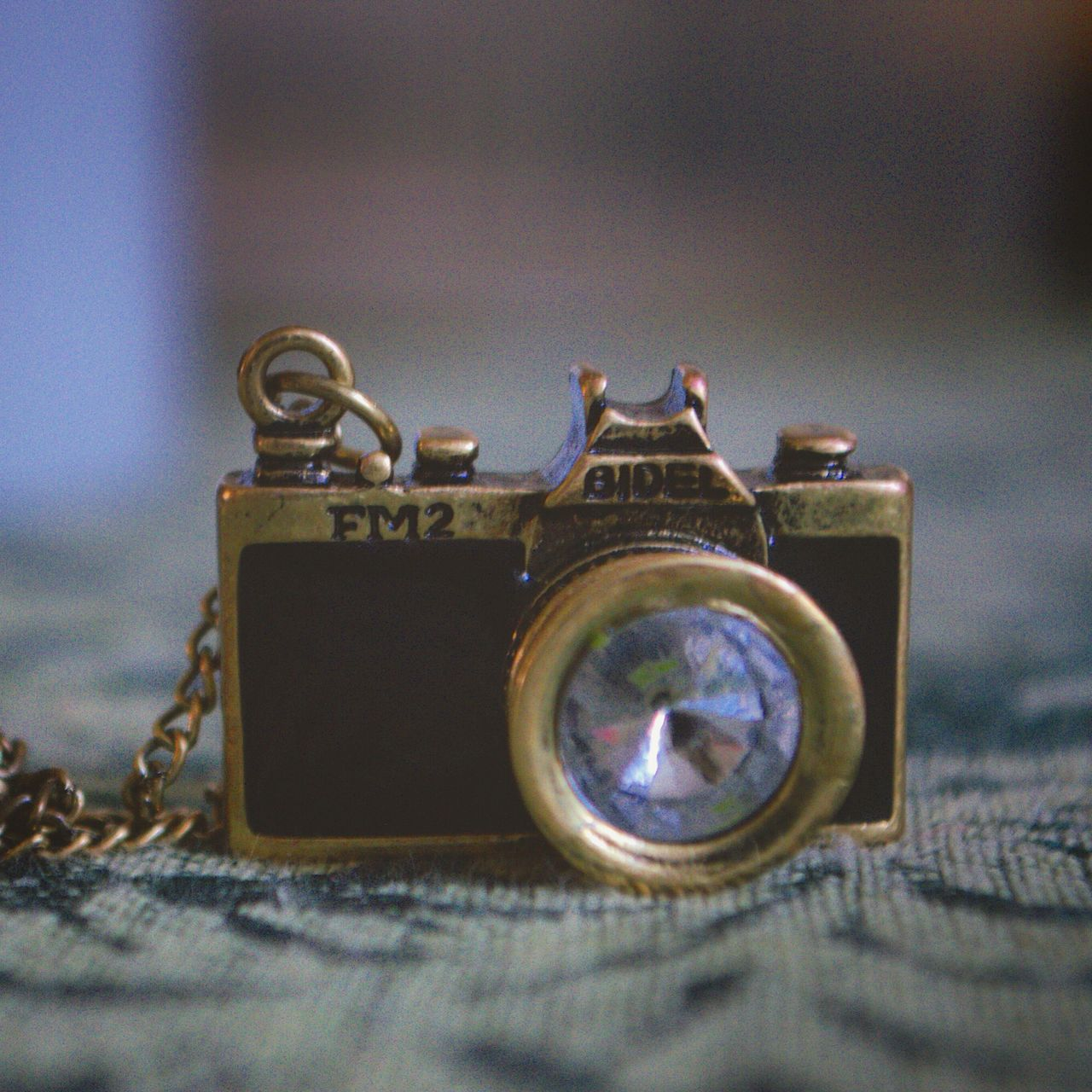 old-fashioned, still life, camera - photographic equipment, close-up, table, no people, retro styled, photography themes, technology, indoors, day
