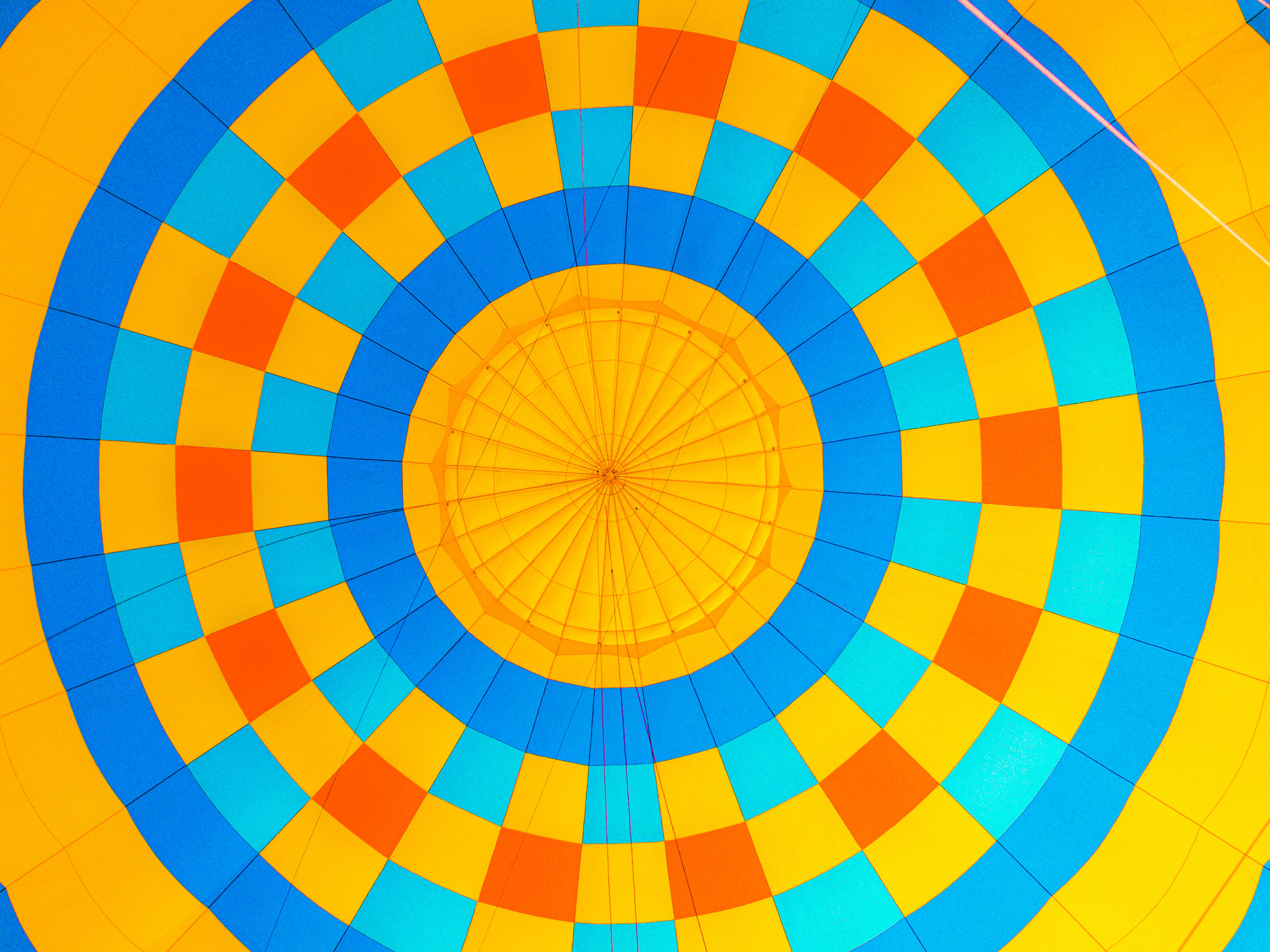 FULL FRAME SHOT OF MULTI COLORED HOT AIR BALLOONS