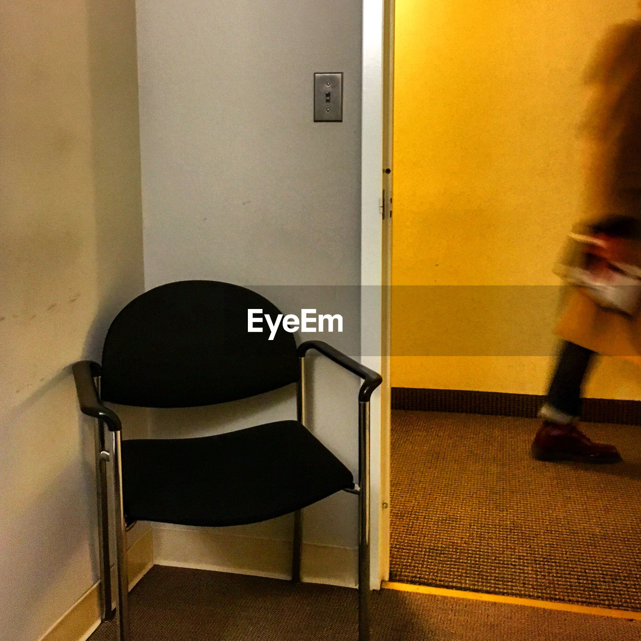 indoors, chair, real people, one person, day, people
