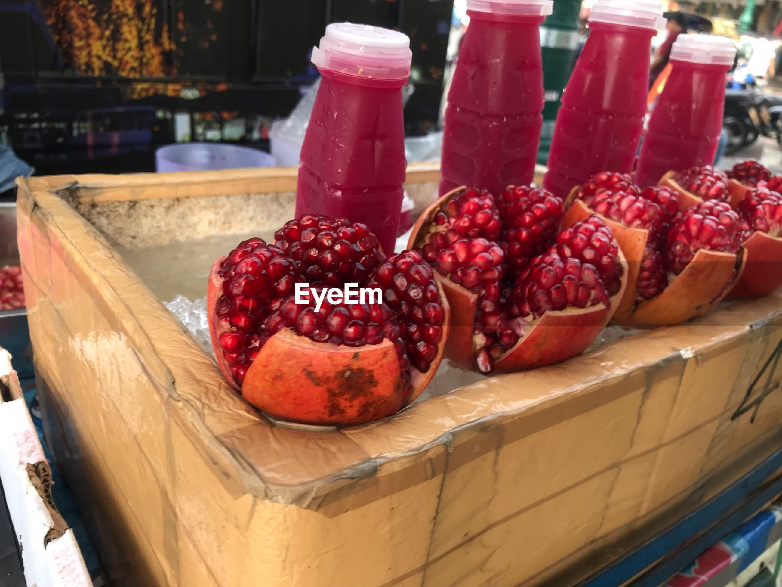 CLOSE-UP OF FRESH FRUITS IN CONTAINER