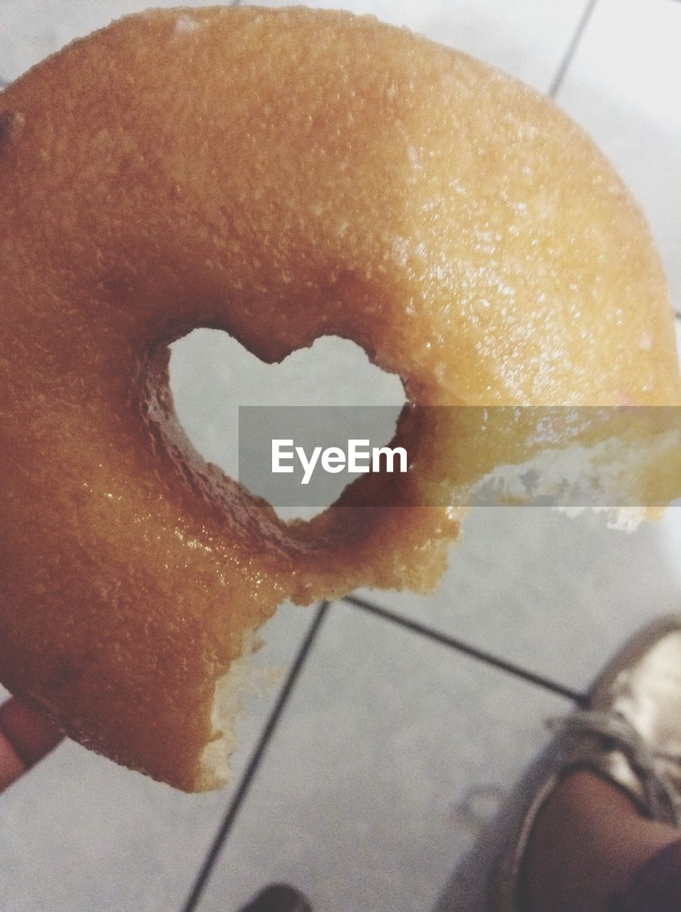 food and drink, food, sweet food, one person, human body part, temptation, human hand, freshness, indulgence, indoors, unhealthy eating, dessert, holding, real people, close-up, ready-to-eat, donut, day, people