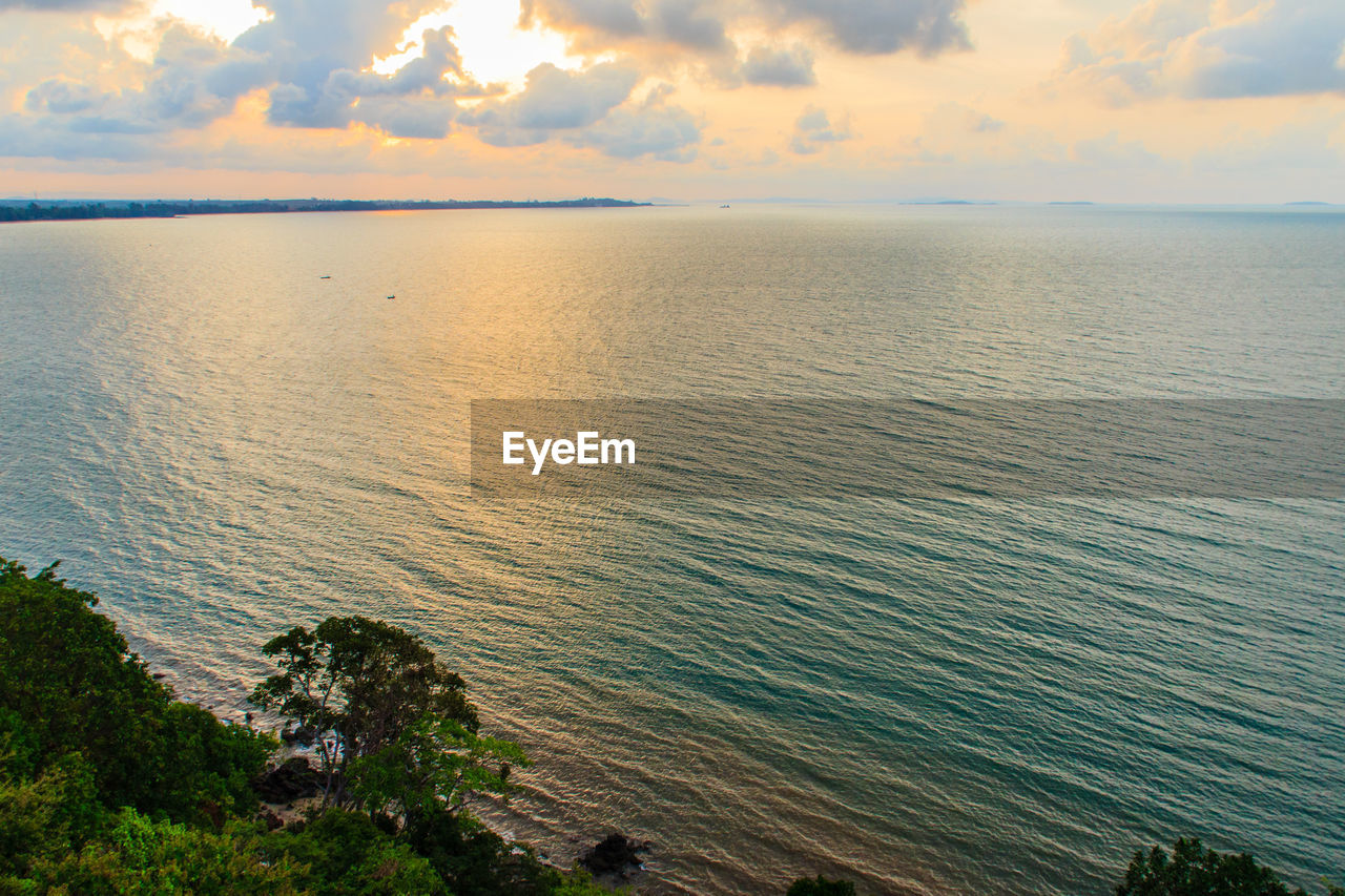 sea, nature, tranquility, scenics, tranquil scene, beauty in nature, water, sky, sunset, horizon over water, outdoors, cloud - sky, no people, beach, day