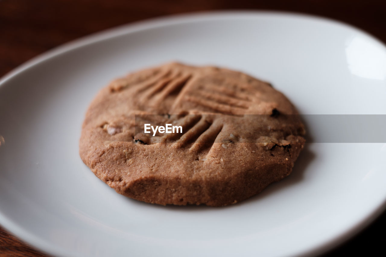 Close-up of cookie in plate