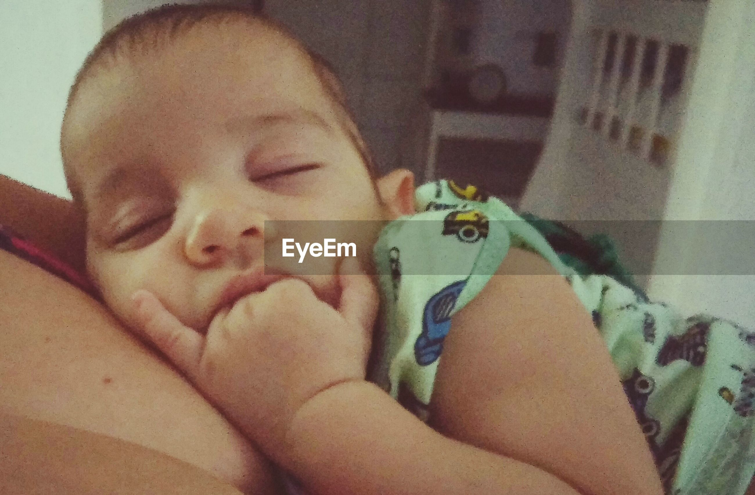 indoors, childhood, bed, innocence, person, cute, babyhood, baby, relaxation, home interior, toddler, lying down, elementary age, lifestyles, sleeping, boys, portrait, looking at camera