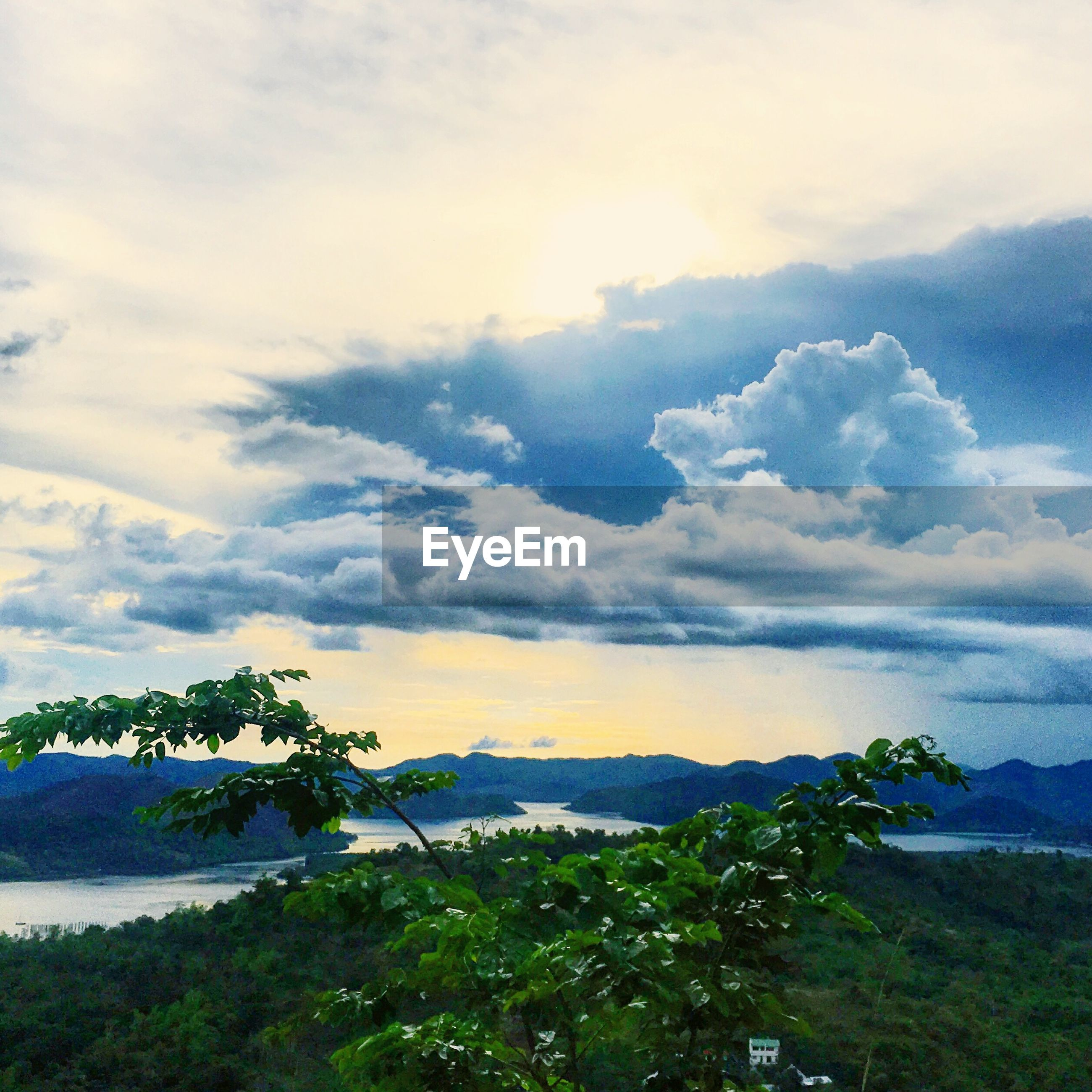 sky, cloud - sky, scenics, tranquility, tranquil scene, beauty in nature, nature, no people, idyllic, outdoors, tree, day, plant, growth, landscape, mountain, water