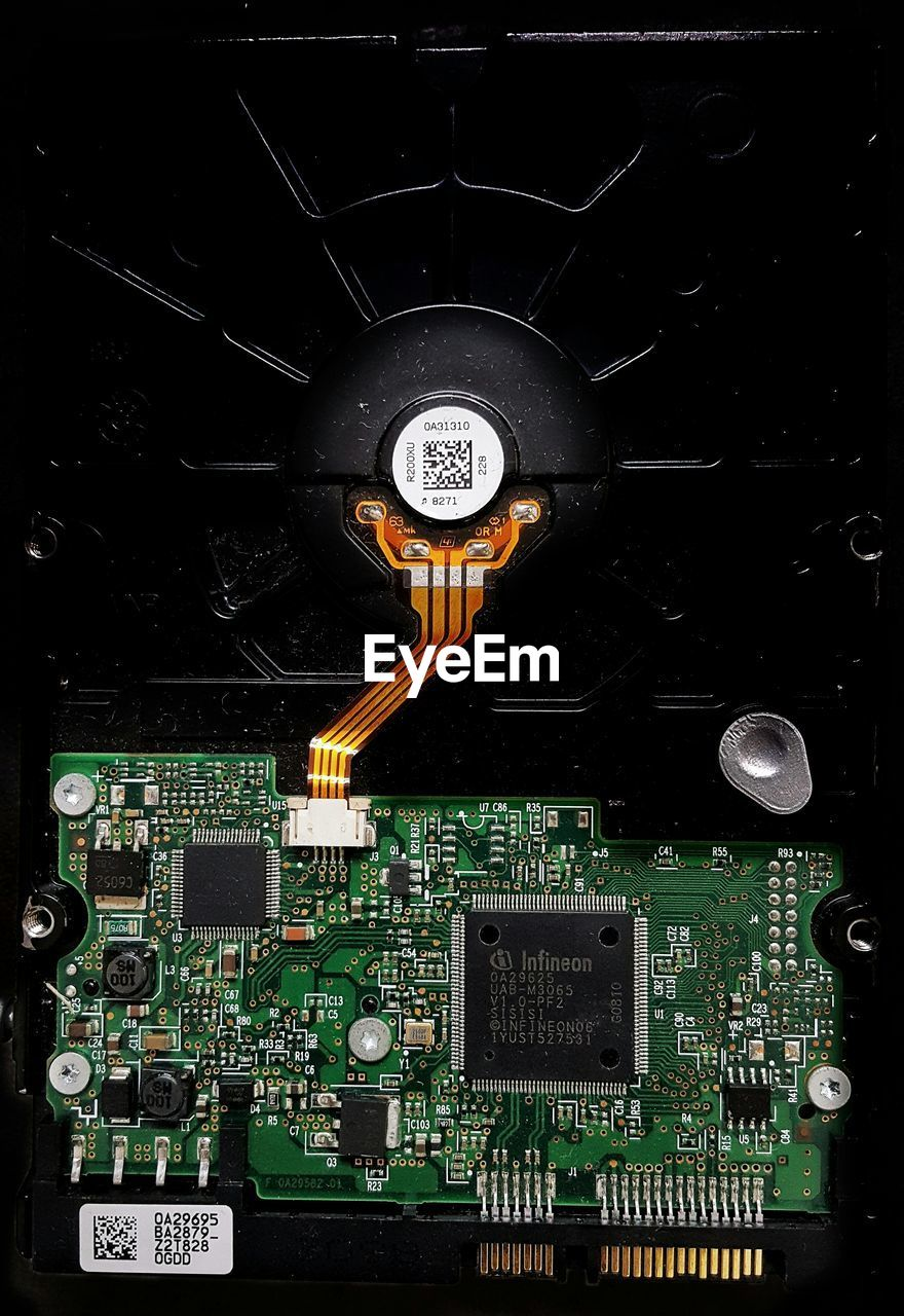 technology, circuit board, computer, computer chip, electronics industry, mother board, close-up, computer equipment, electrical equipment, full frame, indoors, data, hard drive, no people, backgrounds, computer part, science, day