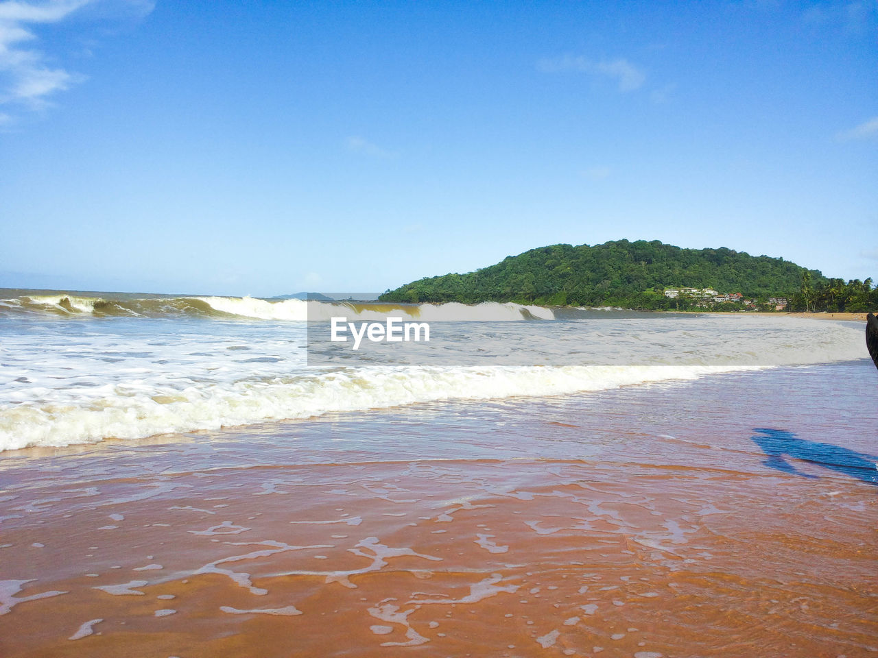 sea, beach, beauty in nature, nature, wave, water, scenics, shore, sand, outdoors, no people, tranquil scene, day, tranquility, horizon over water, sky, blue, clear sky, travel destinations, vacations, summer