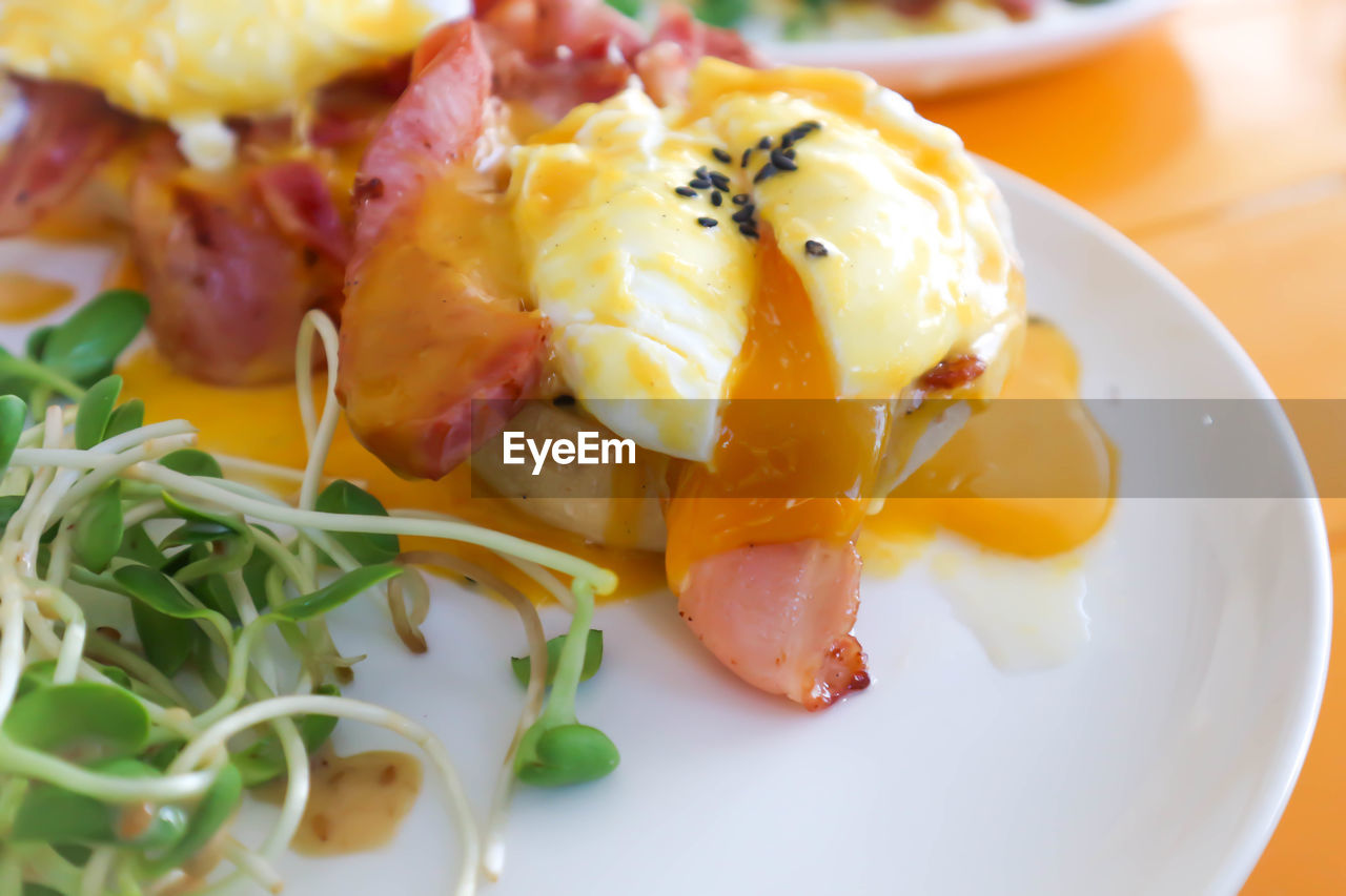 food, food and drink, plate, freshness, healthy eating, ready-to-eat, wellbeing, close-up, serving size, no people, still life, indoors, yellow, salad, indulgence, vegetable, meal, egg, seafood, slice, egg yolk, garnish, temptation