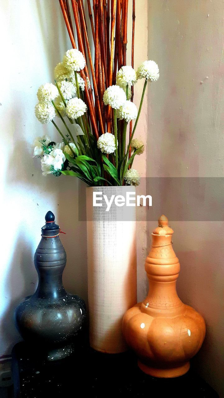 vase, indoors, flower, table, no people, close-up, day