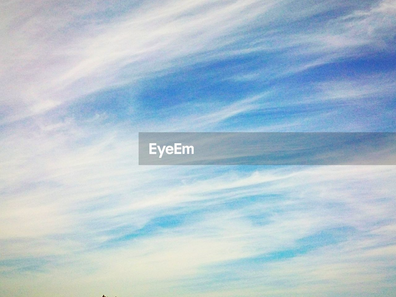 sky, cloud - sky, beauty in nature, tranquility, low angle view, scenics - nature, tranquil scene, no people, nature, backgrounds, blue, full frame, idyllic, outdoors, day, meteorology, dramatic sky, environment, wispy