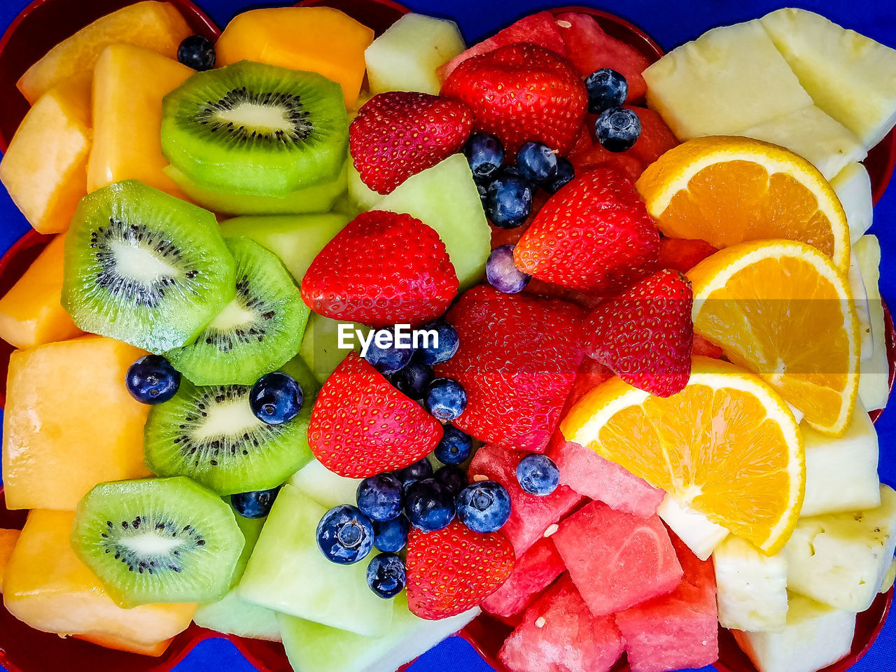 fruit, healthy eating, food and drink, kiwi, food, kiwi - fruit, berry fruit, wellbeing, freshness, multi colored, choice, strawberry, blueberry, variation, raspberry, still life, no people, slice, indoors, high angle view, orange, fruit salad