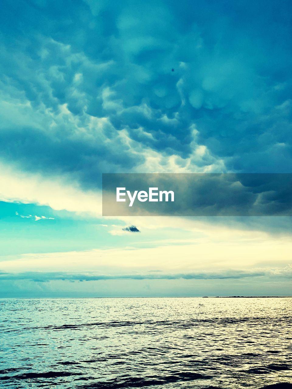 sky, sea, cloud - sky, water, scenics - nature, beauty in nature, horizon over water, horizon, tranquil scene, tranquility, nature, waterfront, no people, idyllic, bird, flying, animal, vertebrate, animal themes, outdoors