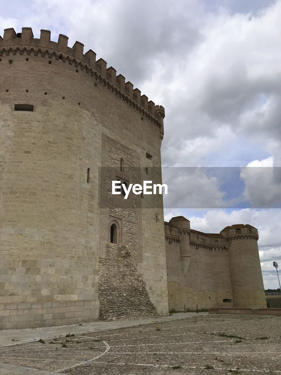 architecture, built structure, sky, history, cloud - sky, building exterior, the past, ancient, fort, old, nature, building, travel destinations, travel, castle, low angle view, day, no people, tourism, wall, outdoors, ancient civilization, ruined