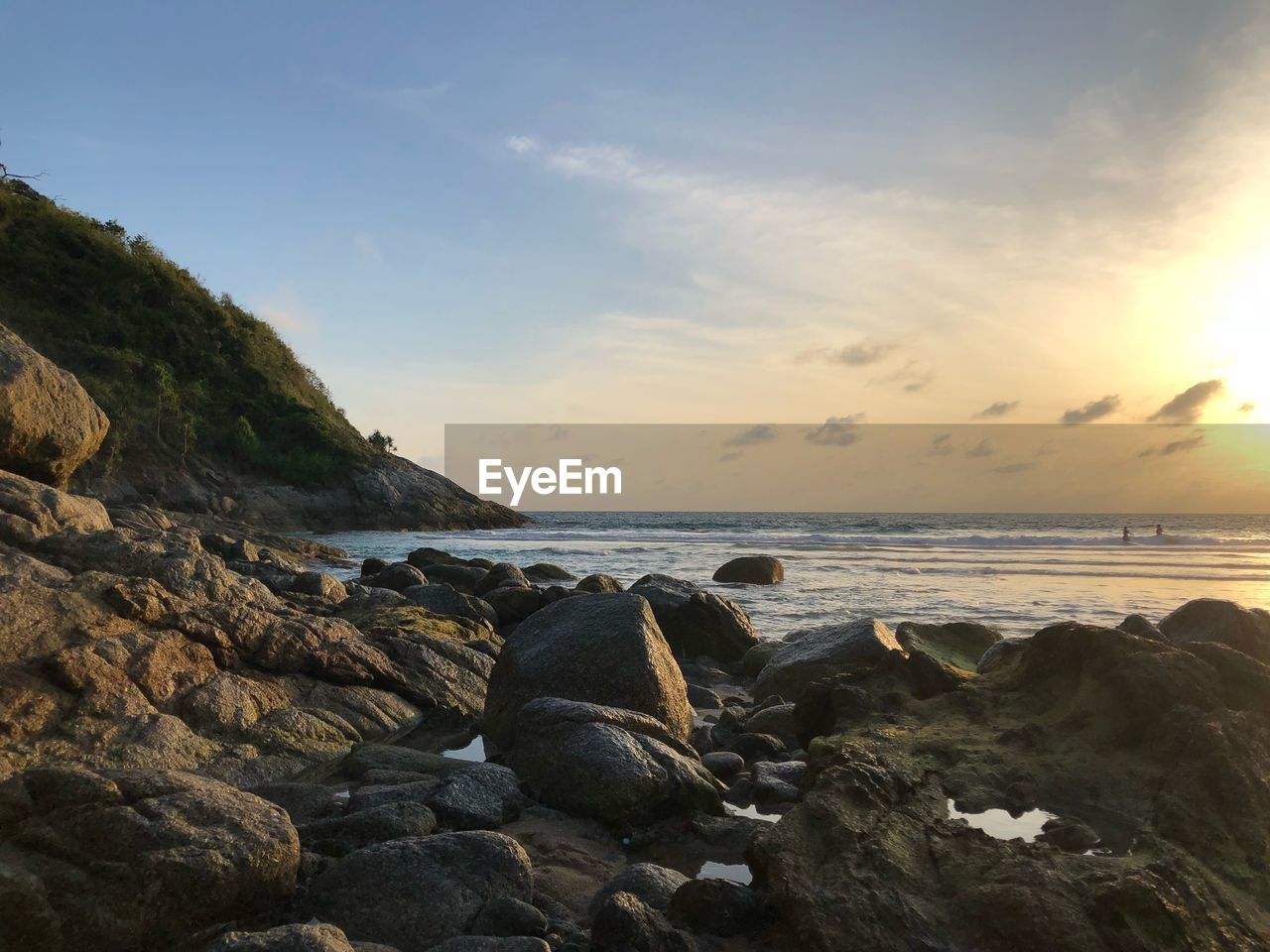 sea, water, sky, rock, solid, horizon over water, beauty in nature, scenics - nature, rock - object, horizon, beach, land, tranquility, tranquil scene, cloud - sky, nature, no people, sunset, idyllic, outdoors, rocky coastline