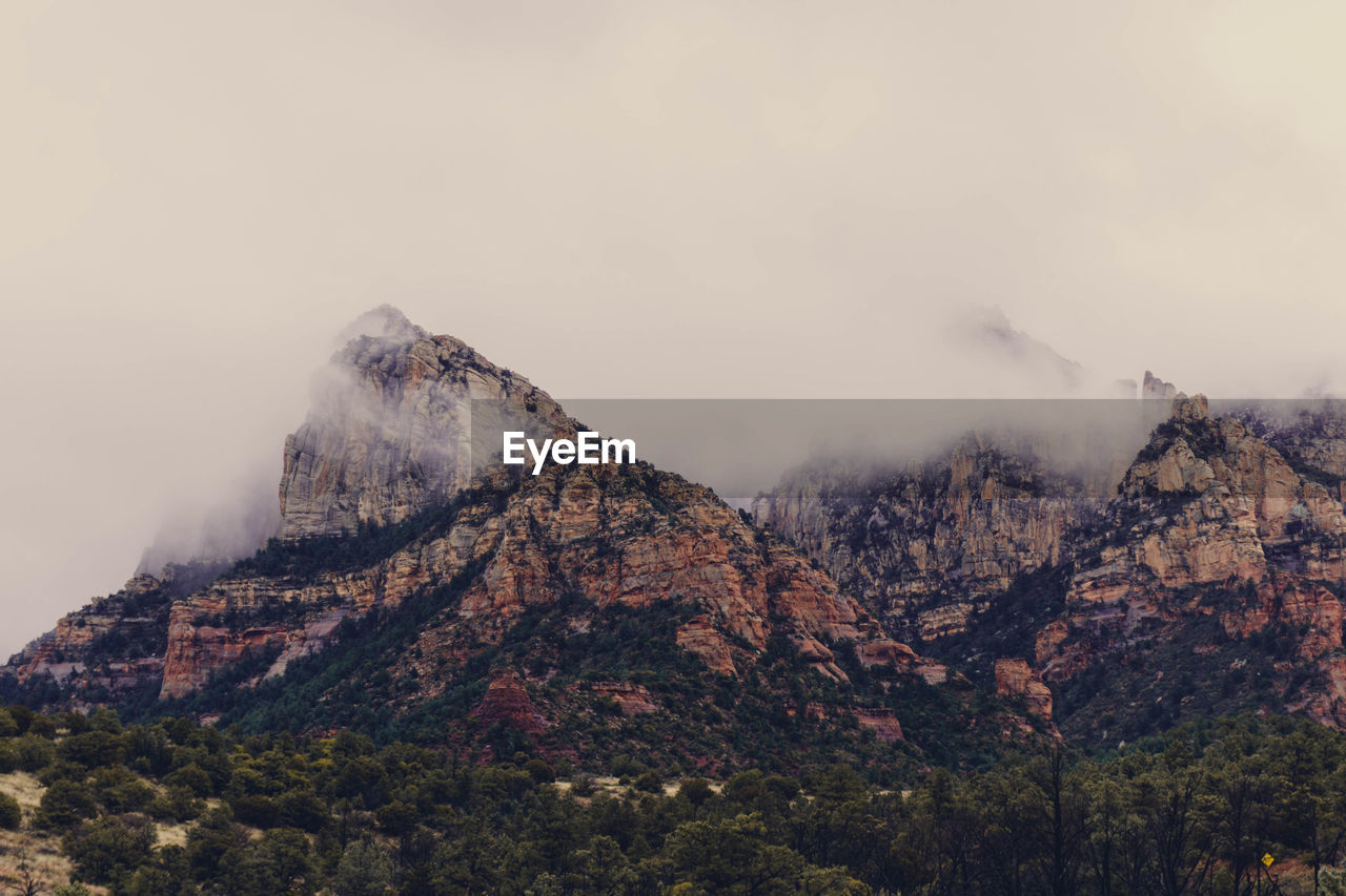 SCENIC VIEW OF MOUNTAIN