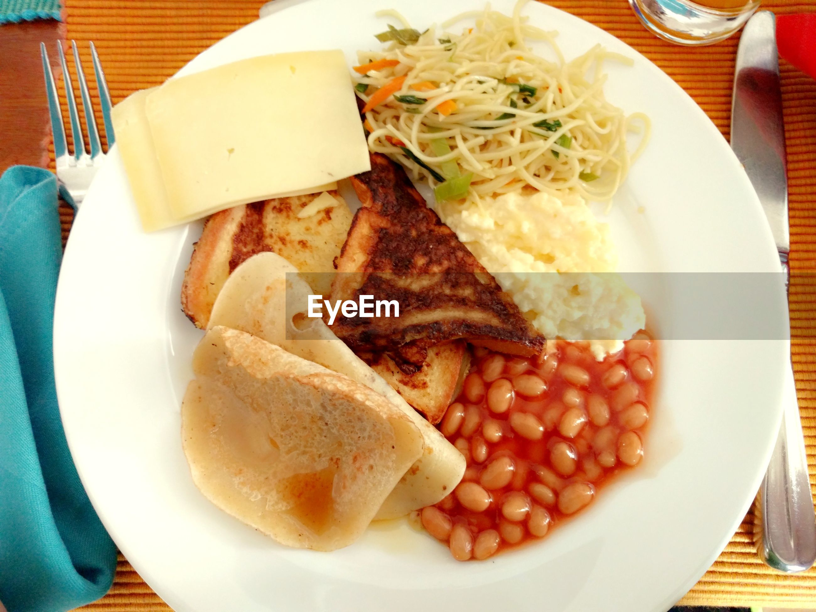 food and drink, food, ready-to-eat, freshness, indoors, plate, bread, unhealthy eating, close-up, no people, day