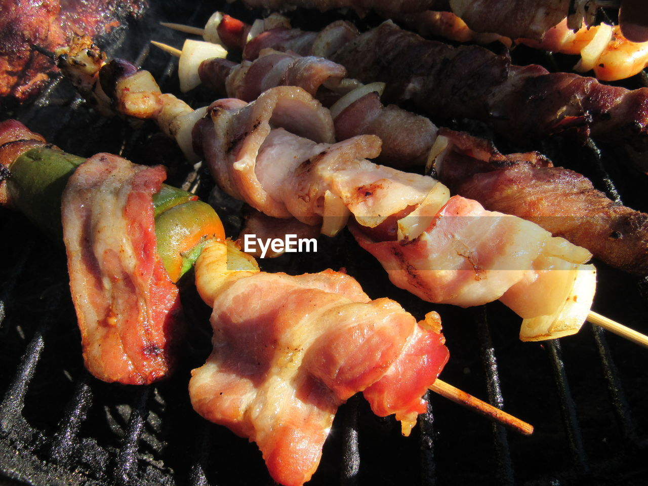 food and drink, barbecue, food, grilled, barbecue grill, skewer, meat, freshness, no people, heat - temperature, healthy eating, close-up, chicken wing, ready-to-eat, outdoors, day