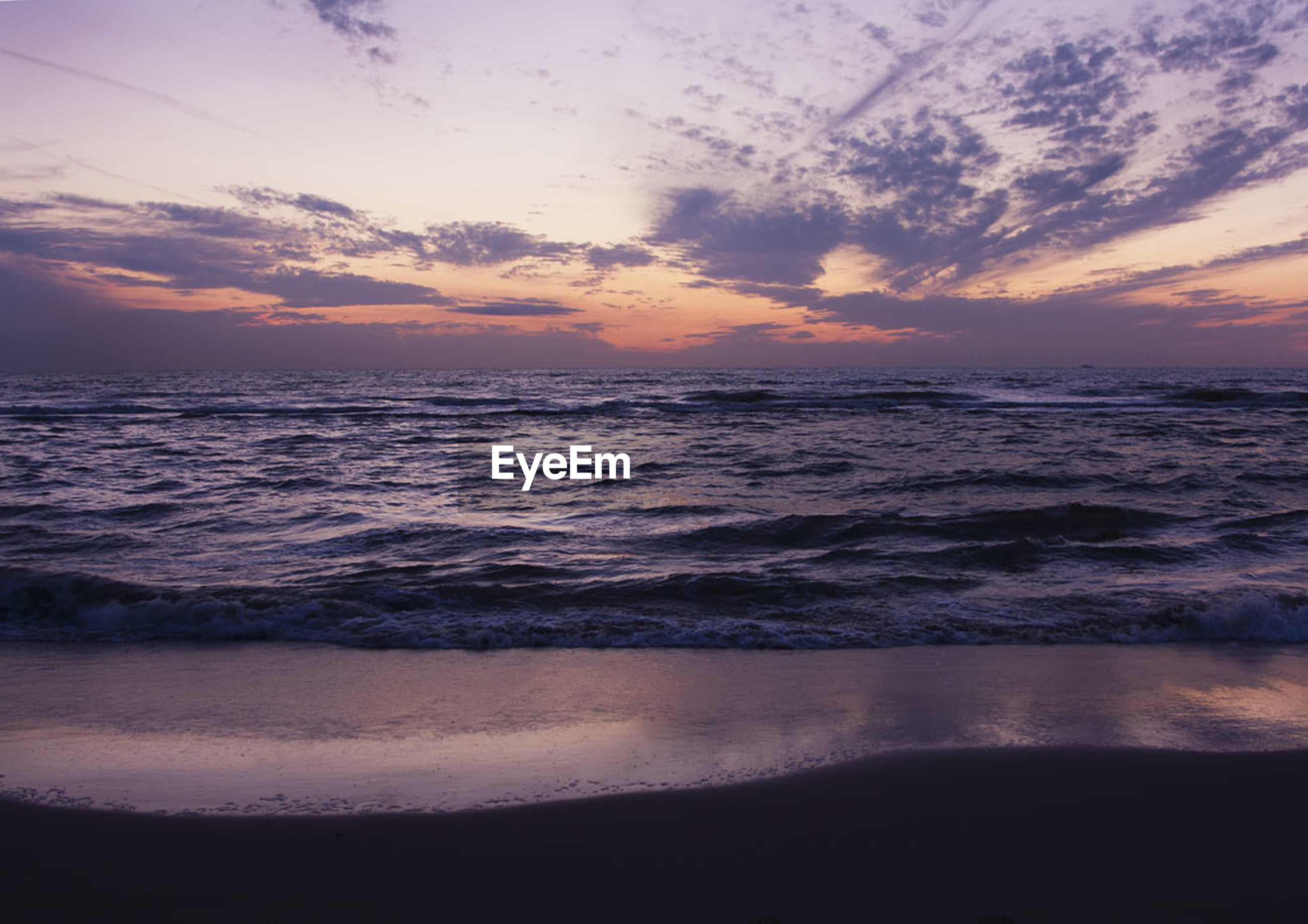 sea, horizon over water, sunset, water, beach, scenics, beauty in nature, tranquil scene, sky, shore, tranquility, wave, idyllic, nature, orange color, cloud - sky, surf, sand, seascape, cloud